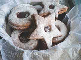 Eggless Strawberry Linzer Cookies